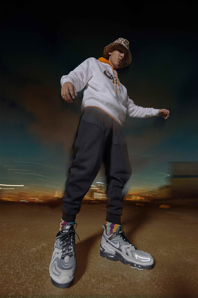 รองเท้าไนกี้ A man wearing Nike-VaporMax-Evo