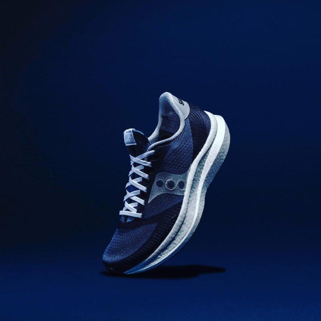 รองเท้าวิ่งเทรล Endorphin Pro